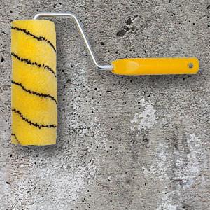 Грунтовать бетонные стены или потолок перед штукатуркой своими руками