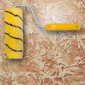 Грунтовать стены или потолок перед декоративной штукатуркой своими руками