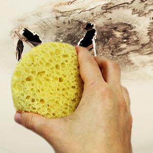 Убрать жёлтые водяные и ржавые пятна на потолке или стене своими руками