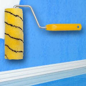 Грунтовать стены или потолок перед покраской своими руками