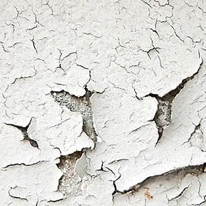 Смыть старую побелку с потолка или стен своими руками