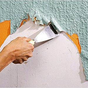 Снять флизелиновые обои со стен или потолка своими руками