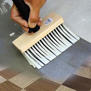 Грунтовать пол перед укладкой виниловой ПВХ плитки своими руками